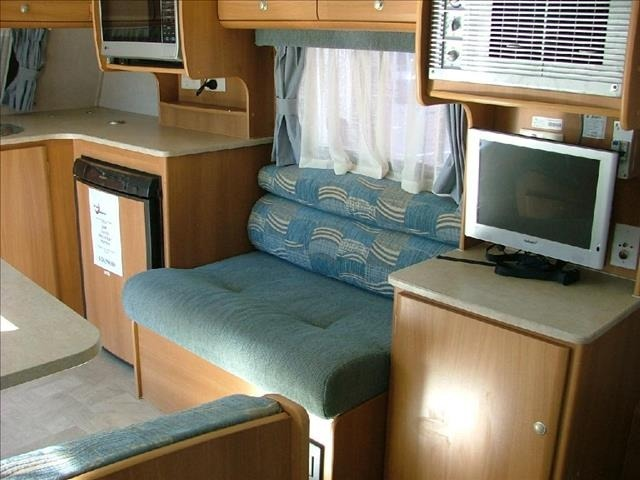 Awesome 2009 Jayco Swan 313  Camperagent RV Center Adelaide