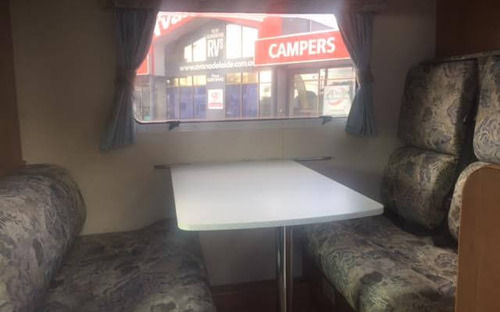 Jayco Conquest Motorhome dining