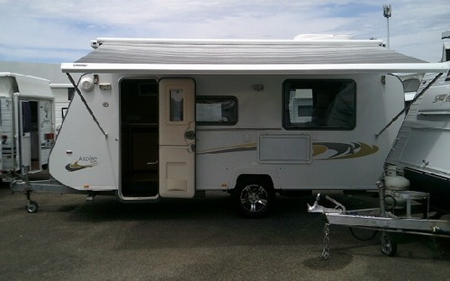 2013 Avan Aspire 525 Pop Top Caravan awning