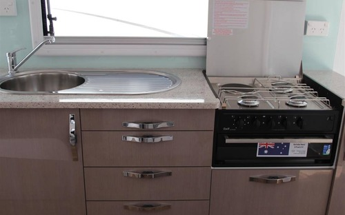 Avan Aspire 587-1 Tandem Caravan kitchen