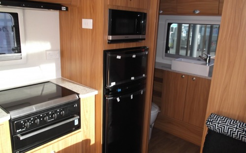 Avan Frances Ensuite Hardtop Caravan kitchen
