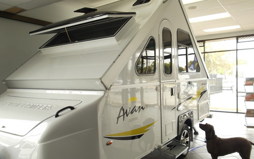 Side View Avan Cruiseliner 5 Camper